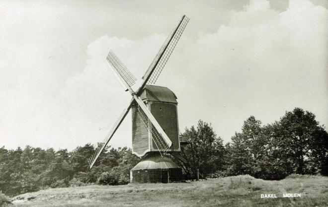 Windmolen en torenuurwerken.