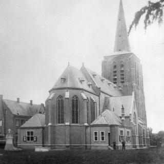 013-St.-Willibrorduskerk te Bakel in 1914.