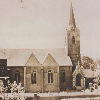 019-St.-Willibrorduskerk te Milheeze, voor de verbouwing van 1964. Jaartal 1963.