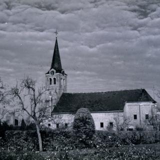 020-Kerk in Milheeze na de verbouwing.