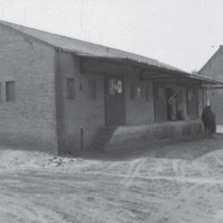 053-Boerenbond,  Kerkeind Milheeze. Dit gebouw heette vroeger 't Pakhuis. Het is afgebroken in de 80-er jaren van de vorige eeuw. Foto uit 1958.