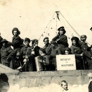 078-Bevrijdingsoptocht in Bakel in september 1944.