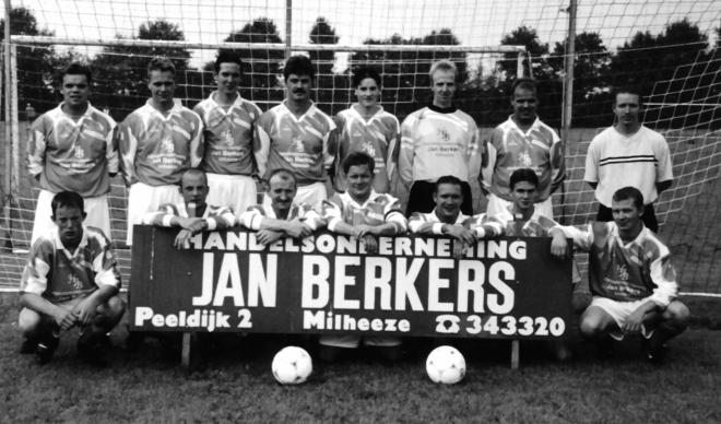 mb-60-082  https://www.heemkundekringbakelenmilheeze.nl/files/images/milheezer-boys-60/mb-60-082_128.jpg