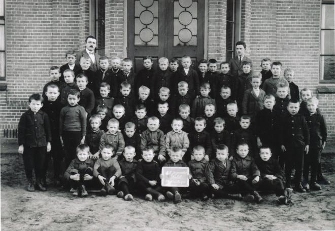 30  https://www.heemkundekringbakelenmilheeze.nl/files/images/scholen-van-vruger/30_128.jpg