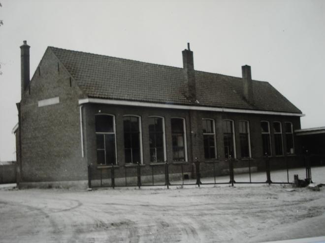 42  https://www.heemkundekringbakelenmilheeze.nl/files/images/scholen-van-vruger/42_128.jpg