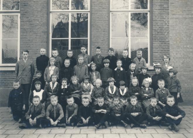 49  https://www.heemkundekringbakelenmilheeze.nl/files/images/scholen-van-vruger/49_128.jpg