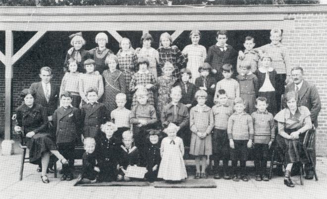 54  https://www.heemkundekringbakelenmilheeze.nl/files/images/scholen-van-vruger/54_128.jpg