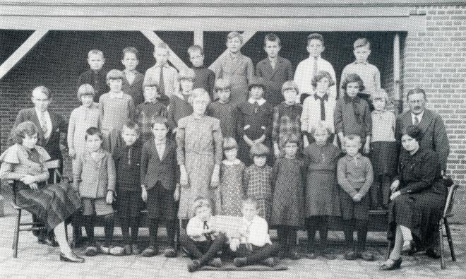 56  https://www.heemkundekringbakelenmilheeze.nl/files/images/scholen-van-vruger/56_128.jpg